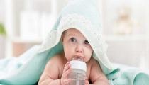 """5 lưu ý chăm sóc trẻ sơ sinh vào mùa hè mẹ phải thuộc """"nằm lòng"""""""