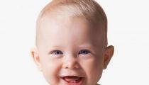 Đập tan lo lắng của mẹ khi trẻ mọc răng