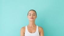 Mỡ bụng sau sinh biến mất hoàn toàn chỉ với 7 bài tập Yoga đơn giản