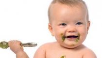 Mách nhỏ mẹ 4 tuyệt chiêu giúp bé ăn dặm hiệu quả