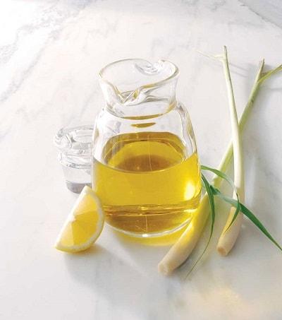 tinh dầu sả chanh giúp xua đuổi muỗi