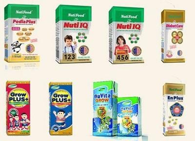 Nhiều loại sữa công thức dạng pha sẵn cho trẻ.