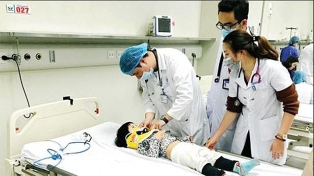 Trẻ nhỏ được điều trị tích cực bệnh viêm não Nhật Bản tại bệnh viên.