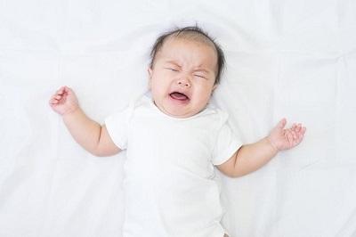 Nấc cụt là tình trạng xảy ra rất phổ biến ở trẻ trong những tháng đầu đời.