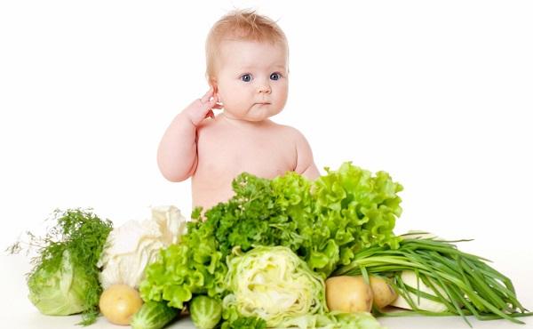 thiếu nước và chất xơ sẽ dẫn đến táo bón ở trẻ sơ sinh