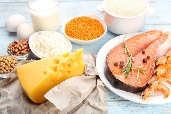 Tăng cường bổ sung vitamin D cho trẻ bằng các loại thực phẩm bổ dưỡng.
