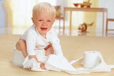 Có nhiều nguyên nhân có thể dẫn đến tình trạng sôi bụng đi ngoài ở trẻ.