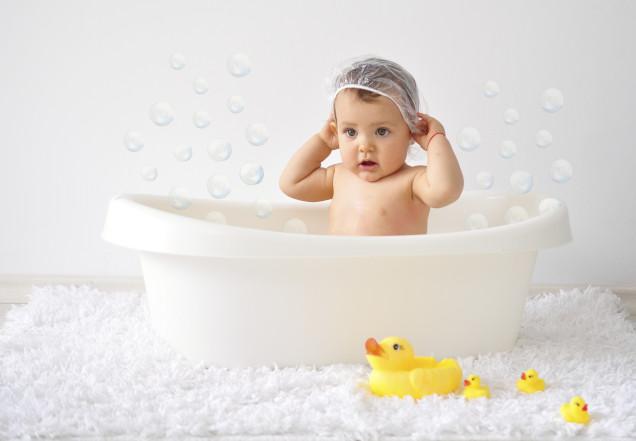 Sữa tắm thảo dược sẽ tốt hơn trong việc điều trị rôm sảy ở trẻ sơ sinh